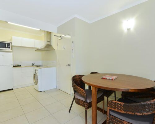 Cairns-Queenslander-Frangipani-Room (10)