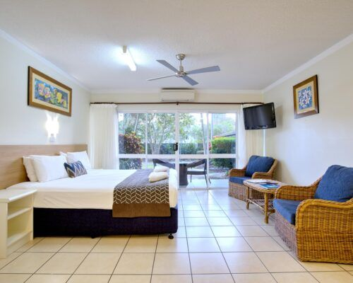 Cairns-Queenslander-Hibiscus-Suite (1)