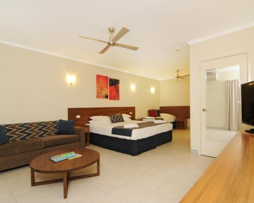 Cairns-Queenslander-Jasmine-Hotel-Room (11)