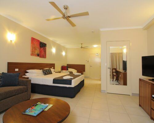 Cairns-Queenslander-Jasmine-Hotel-Room (12)