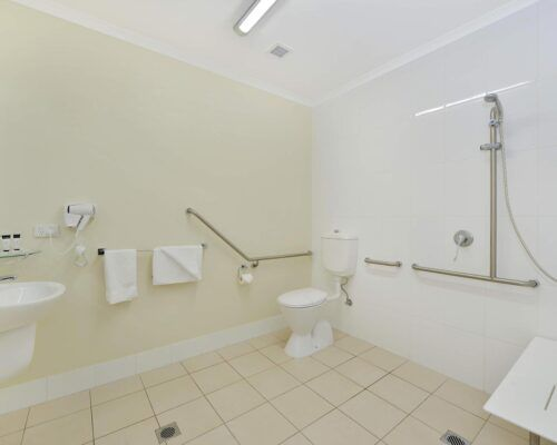 Cairns-Queenslander-Jasmine-Hotel-Room (18)