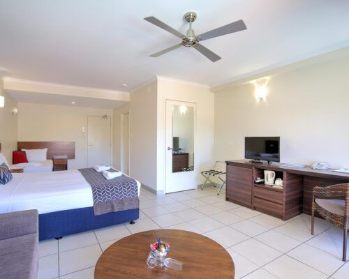 Cairns-Queenslander-Jasmine-Hotel-Room (2)