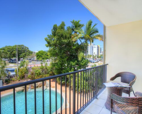 Cairns-Queenslander-Jasmine-Hotel-Room (4)