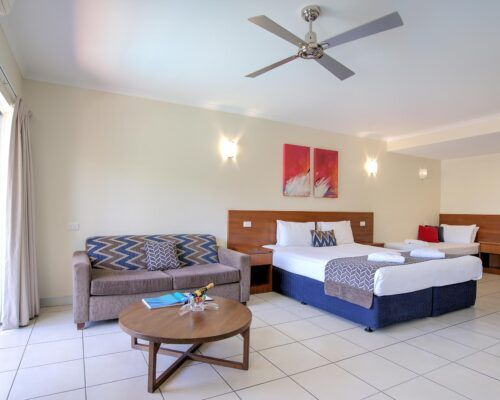 Cairns-Queenslander-Jasmine-Hotel-Room (8)