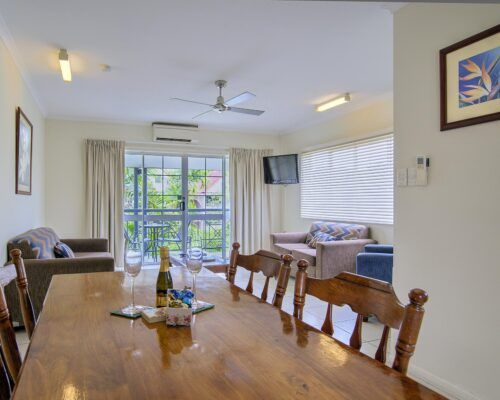 Cairns-Queenslander-Mimosa-Hotel-Room (2)
