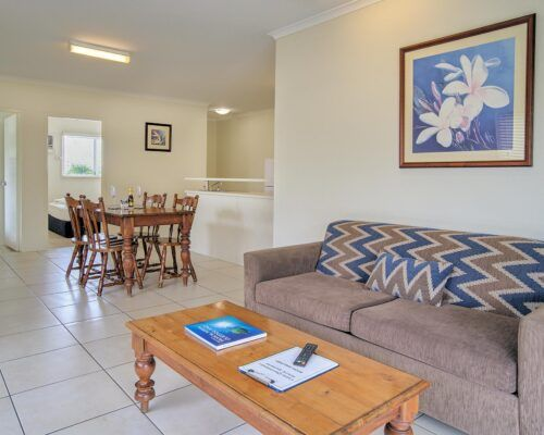 Cairns-Queenslander-Mimosa-Hotel-Room (3)