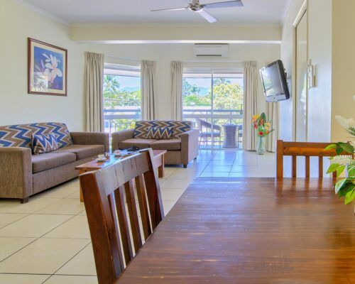 Cairns-Queenslander-Mimosa-Hotel-Room (9)